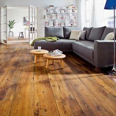 Natürlichkeit, behagliche Wärme und Beständigkeit - jeder Boden ein Unikat.  #robinwood #parkett #eiche #oak #rustikal #SONNHAUS