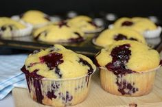 Citromhab: A(z) Muffin kifejezés keresési találatai Jacque Pepin, Cheesecake Brownies, Muffin Recipes, Winter Food, Fudge, Blueberry, Food And Drink, Sweets, Cookies