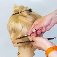 Hair Cutting Videos, Hair Cutting Techniques, Hair Color Techniques, Hair Videos, How To Curl Short Hair, Girl Short Hair, Short Hair Cuts, Short Hair Styles, Hair Curling Tips