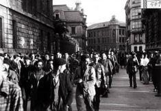 Gudaris presos por Astarloa Bilbao, Basque Country, Street View, War, Antique Photos, Cities, Historia, Life