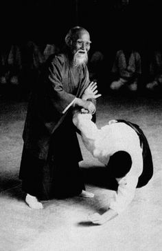 "Morihei UESHIBA 植芝 盛平(1883 –1969) - Japanese famous martial artist and founder of the Japanese martial art of aikido. ""Do not look upon this world with fear and loathing. Bravely face whatever the gods offer"""