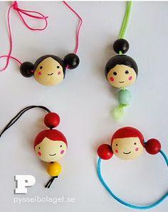 Spool Crafts, Fun Crafts, Diy And Crafts, Wood Peg Dolls, Clothespin Dolls, Kids Jewelry, Jewelry Crafts, Diy For Kids, Crafts For Kids