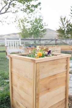 How to make super easy, inexpensive and cute cedar planter boxes to plant flowers, herbs, or evergreen plants.  These are so easy, I did them all by myself! Hanging Planter Boxes, Diy Wall Planter, Cedar Planter Box, Garden Planter Boxes, Diy Planters, Planter Ideas, Small House Decorating, Porch Decorating, Summer Decorating