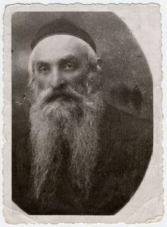 Studio portrait of Rabbi Nachman Fatschtek of Dabrowica.