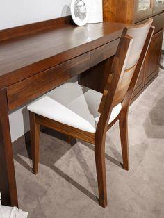 Buková židle Bukurešť se bude dobře vjímat všude tam, kde se ji rozhodnete umístit, přičemž si můžete být jistí originálním a vysoce komfortním sezením. Dining Bench, Dining Chairs, Furniture, Design, Home Decor, Dining Room Tables, Decoration Home, Table Bench, Room Decor