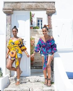 African fashion is available in a wide range of style and design. However, there is one strange thing among them all, they are all colorful. Whether it is men African fashion or women African fashion, you will notice. African Fashion Designers, African Print Fashion, Africa Fashion, African Fashion Dresses, Fashion Prints, Ethnic Fashion, African Prints, African Attire, African Wear