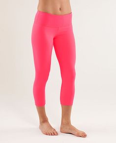 hot pink yoga tights.. LOVE [lululemon wunder under crop]