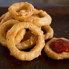 """Double Crunch, Beer-Battered Sweet Maui Onion Rings with a Spicy & Smoky, """"Kicked-Up Ketchup"""" Dipping Sauce"""