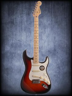 Fender American Standard Stratocaster Maple Fingerboard with Case