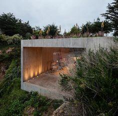 Le Chili, ses côtes et sa nature sont un parfait écrin pour cette magnifique construction à la fois atelier de peintre et maison. Les trois architectes Fel