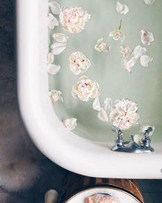 You searched for bath - Wu Haus Kai Fragrance, Modern Farmhouse, Farmhouse Decor, Bath Photography, South Shore Decorating, Dream Bath, Relaxing Bath, Style Vintage, Spa Day