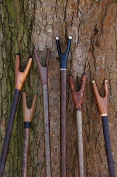 Current Sticks For Sale 2019 Handmade Walking Sticks, Hand Carved Walking Sticks, Wooden Walking Sticks, Walking Sticks And Canes, Walking Canes, Snake Stick, Lance Pierre, Deer Antler Crafts, Shooting Sticks