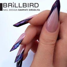 Chrome Flakes adaugă manichiurilor tale #detaliul perfect și le duce la un cu totul alt nivel! ✨  www.brillbird.ro  #chromeflakes #naildesign #naildecor #brillbirdromania