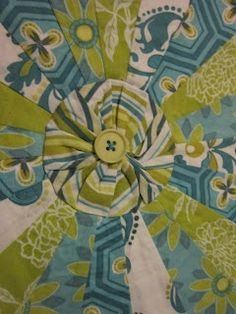 Missys Homemaking Adventures:  Making yo yos for the Dresden Plates  #quilt…