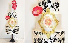 cadrage de l'or doré et motif damassé gâteau de mariage par deux Cupcakes Gâteaux