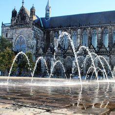 """""""Wasserspiele vor dem #Dom von #Magdeburg Domplatz"""""""