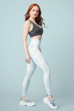 Madelaine Petsch, Kate Hudson, Cheryl Blossom Riverdale, Riverdale Cheryl, Riverdale Cast, Fitness Outfits, Beste Leggings, Malia Jones, Bra Size Charts