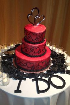 my red and black wedding cake