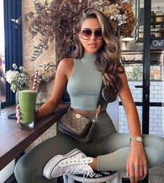 Sporty Outfits, Mode Outfits, Classy Outfits, Chic Outfits, Trendy Outfits, Fashion Outfits, Womens Fashion, Races Fashion, Beautiful Outfits