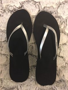 0bf5e1426560 REEF Womens Bliss Nights II Thong Flip Flops Sandals Sz 9 40 NWT Black amp  Silver