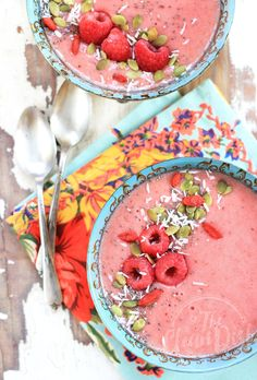 Antioxidant Packed Raspberry Smoothie Bowl {vegan, grain free, gluten free}