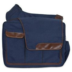 Specially designed for hip dads, this cool sack has sporty messenger styling and lots of handy features for on-the-go parents.