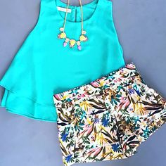 fresh and floral #ootd #springflowers #shorts #shoppoppy