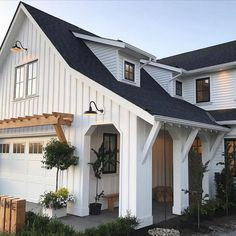 The farmhouse exterior design totally reflects the entire style of the house and the family tradition as well. The modern farmhouse style is not only for interiors. It takes center stage on the exterior as well. Exteriors are adorned with bright-siding, t Modern Farmhouse Style, Farmhouse Homes, Farmhouse Plans, Farmhouse Decor, Farmhouse Front, Craftsman Farmhouse, Cottage Farmhouse, Craftsman Style, Farmhouse House Numbers