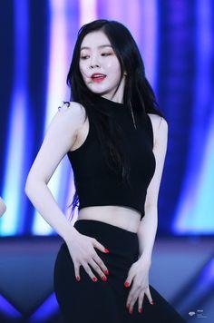 K-Pop Babe Pics – Photos of every single female singer in Korean Pop Music (K-Pop) Seulgi, Kpop Fashion, Korean Fashion, Kpop Mode, Ulzzang Korean Girl, Red Velvet Irene, Shows, Korean Celebrities, High End Fashion