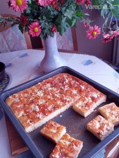 Cesnakový posúch - recept | Varecha.sk French Toast, Breakfast, Food, Basket, Morning Coffee, Essen, Meals, Yemek, Eten