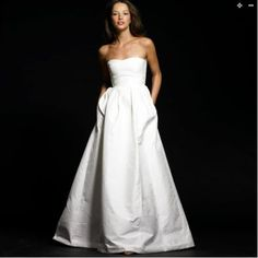 A wedding dress with pockets?! This is the wedding dress of my dreams!