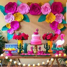32 Ideas for birthday photography party Flamingo Party, Flamingo Birthday, Flamingo Decor, Hawaiian Birthday, Luau Birthday, Girl Birthday, 13th Birthday Parties, Birthday Party Themes, Themed Parties