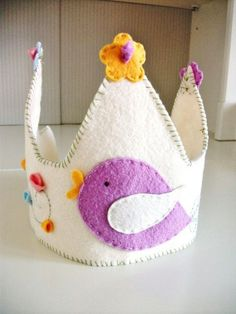 DIY white felt birthday crown with birds - kids crafts, birthday crown
