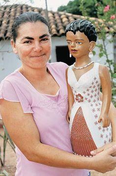 A tradição das bonecas de barro do Vale do Jequitinhonha começou nos anos ...