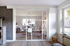 You also need these 10 ingenious sliding doors for the kitchen! - Room divider kitchen living room: kitchen by Elfa Deutschland GmbH Best Picture For furniture vict - Room Divider Doors, Divider Design, Home Salon, Interior Barn Doors, Living Room Kitchen, Kitchen Interior, Sliding Doors, Great Rooms, Home And Living