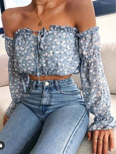 Mode Outfits, Casual Outfits, Fashion Outfits, Trend Fashion, Look Fashion, Lace Tops, Floral Tops, Floral Blouse, Spring Shirts