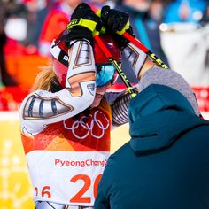 Snowboarder Ester Ledecka Shocks Lindsey Vonn and the Super-G Field