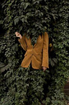 Ben Zank Surreal Self-Portrait Photography Trendland Online Magazine Curating the Web since 2006 Surrealism Photography, Conceptual Photography, Male Photography, Dreamy Photography, Creative Portrait Photography, Creative Portraits, Self Portraits, Artistic Fashion Photography, Fashion Portraits