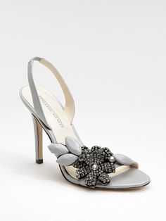 cb5e34ef8279 vera wang bridal shoe Like bellas but for a beach wedding Vera Wang Bridal