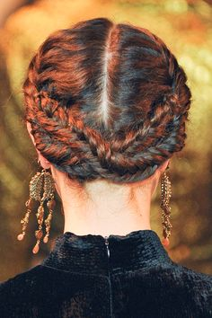 Top 60 All the Rage Looks with Long Box Braids - Hairstyles Trends French Braid Hairstyles, Box Braids Hairstyles, Cool Hairstyles, Updo Hairstyle, Dreadlock Hairstyles, Hairstyle Ideas, Milkmaid Braid, Braided Updo, Braid Crown