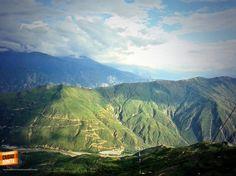 Contemplando por un momento la belleza de nuestra geografía, el Cañón del Chicamocha. Gracias @YEIPE1. #UnaFotoBUC