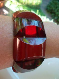 Vintage Art Deco Translucent Cherry Amber Bakelite Stretch Bracelet Bangle 55 g