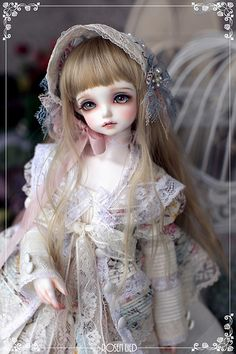 Rosenlied : Wednesday's Child Flora - for Dollism Auction