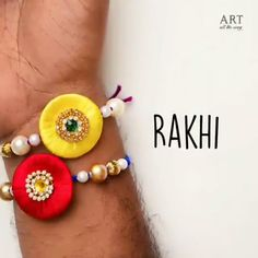 Diy And Crafts Sewing, Diy Crafts For Gifts, Craft Stick Crafts, Handmade Crafts, Diy Friendship Bracelets Patterns, Diy Bracelets Easy, Bracelet Crafts, Raksha Bandhan Gifts, Raksha Bandhan Cards
