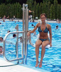 POOL LIFT – Για ειδική χρήση σε πισίνα! Η DRACULIS σας δίνει τώρα τη δυνατότητα για εύκολη και άνετη πρόσβαση και στην πισίνα με τον ανελκυστήρα πισίνας Dolphin.
