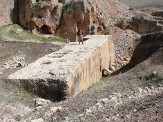 La mayor de las increíbles piedras,aún en la cantera - Baalbeck