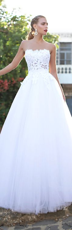 If it wasn't see-through in the middle, it'd be an absolutely perfect wedding dress!