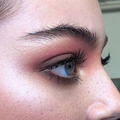 Instagram @aniamilczarczyk | Make Up by Ania Milczarczyk