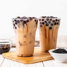 Bubble tea is a sweet (or sometimes savory) tea-based beverage made with small tapioca balls. Is it healthy for you though? Boba Tea Recipe, Yummy Drinks, Yummy Food, Bubble Milk Tea, Bubble Tea Menu, Boba Drink, Unsweetened Coconut Milk, Tea Recipes, Aesthetic Food
