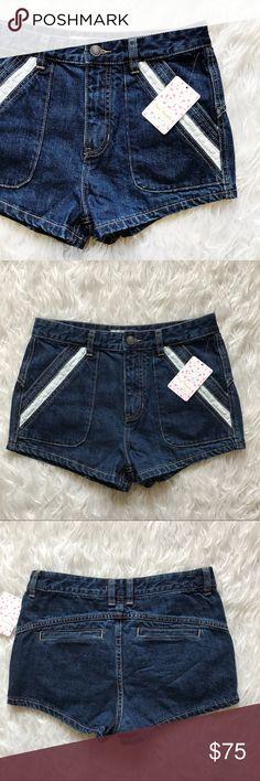 "• Free People • Jean Shorts Dark denim Jean shorts  \\ 14.5"" waist  \\ 2"" inseam \\ 11"" rise Free People Shorts Jean Shorts"